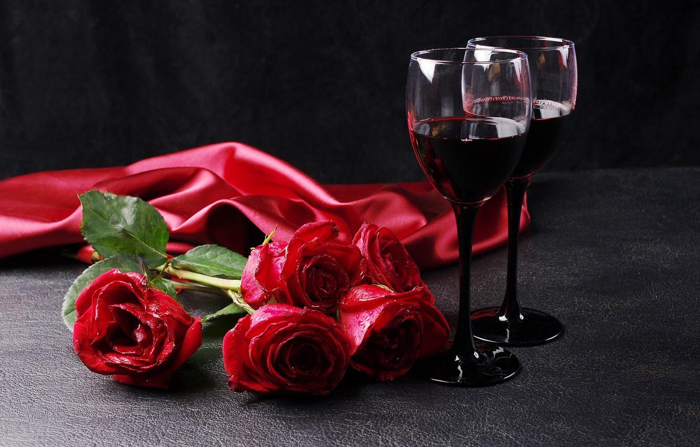 https://img5.goodfon.ru/wallpaper/nbig/b/c9/8-marta-rozy-krasnye-vino-bokaly-romantika.jpg