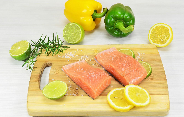Фото обои рыба, лайм, перец, лимоны
