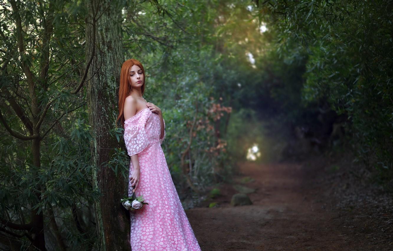 Фото обои дорога, лес, девушка, цветы