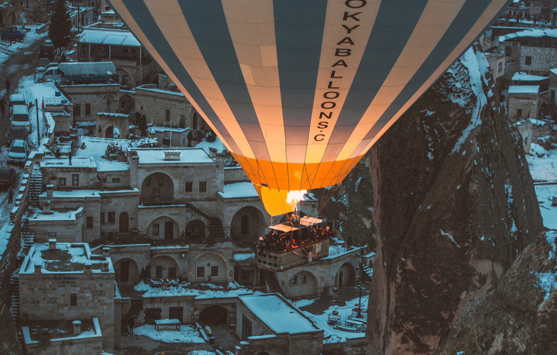 Фото обои горы, воздушный шар, люди, воздухоплавание, mountains, people, balloon, ballooning