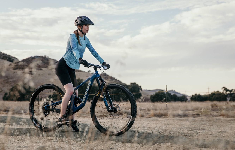 Фото обои девушка, велосипед, bicycle, girls, mtb, Sport, Mountain Bike, Bike •, SANTA CRUZ