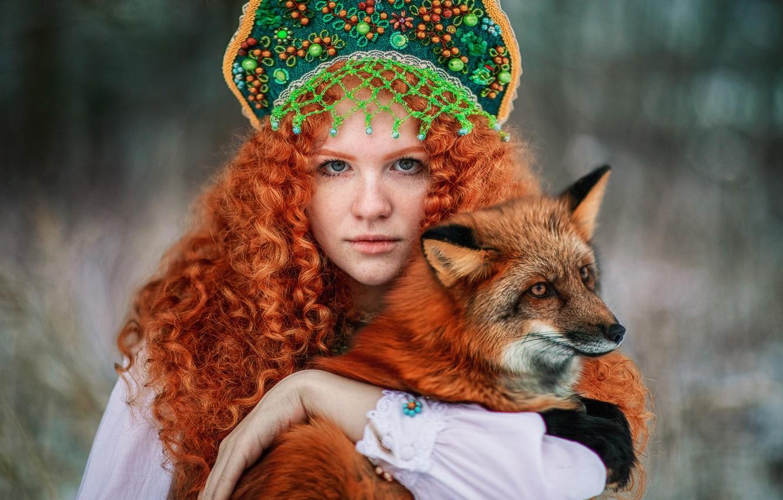 Фото обои взгляд, девушка, лицо, волосы, лиса, веснушки, рыжая, кудри, рыжеволосая, кокошник, by Александра Савенкова, Софья Раксеева