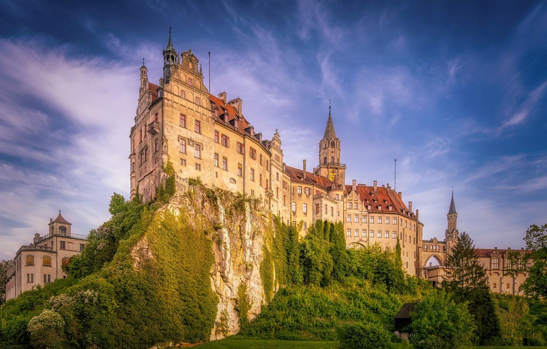 Фото обои небо, скала, замок, Германия, Germany, Баден-Вюртемберг, Baden-Württemberg, Sigmaringen Castle, Зигмаринген, Sigmaringen, Замок Зигмаринген