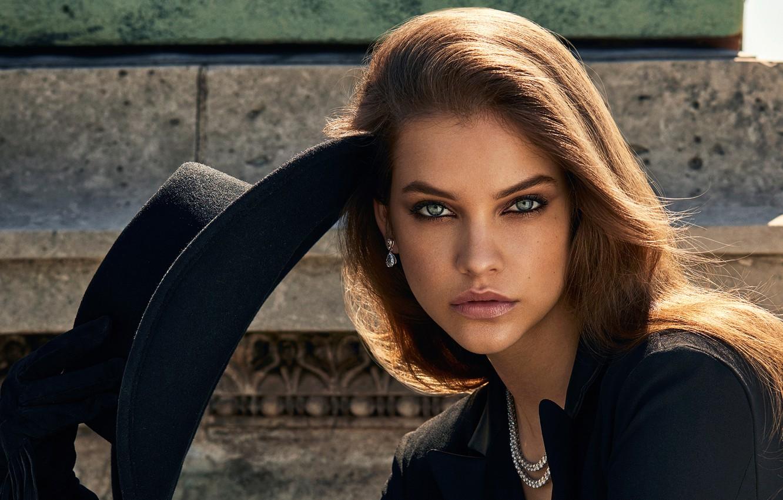Фото обои взгляд, девушка, украшения, лицо, портрет, шляпа, макияж, Barbara Palvin