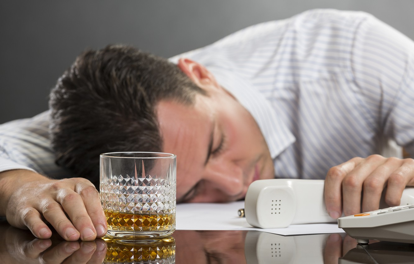 Фото обои whiskey, telephone, work, fatigue