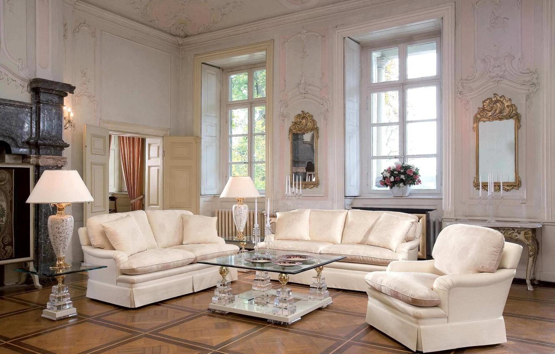 Фото обои цветы, лампы, диван, вилла, кресла, зеркала, роскошь, столик, гостиная