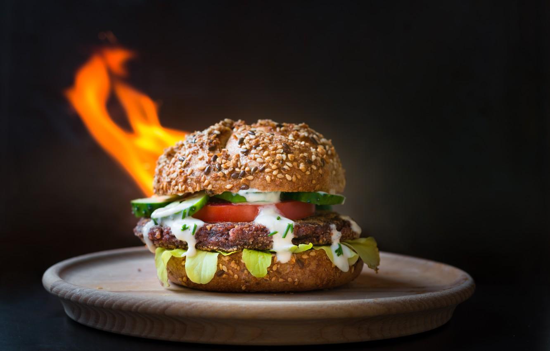 Фото обои фон, огонь, тарелка, бургер