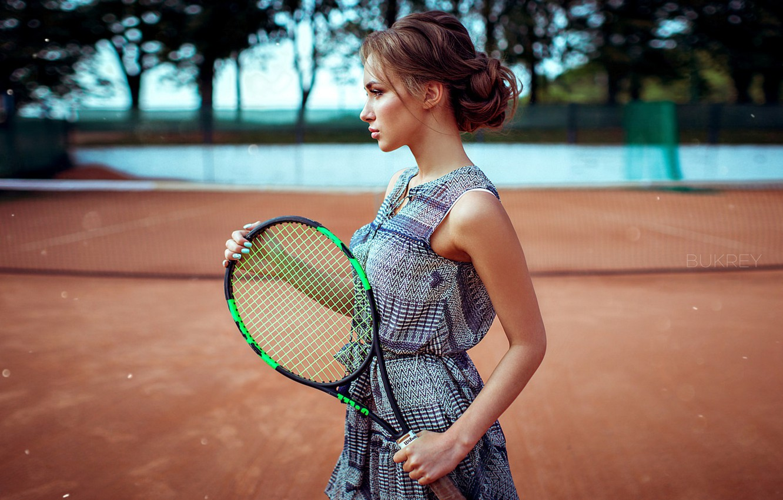 оттенок фото с теннисной ракеткой вершине