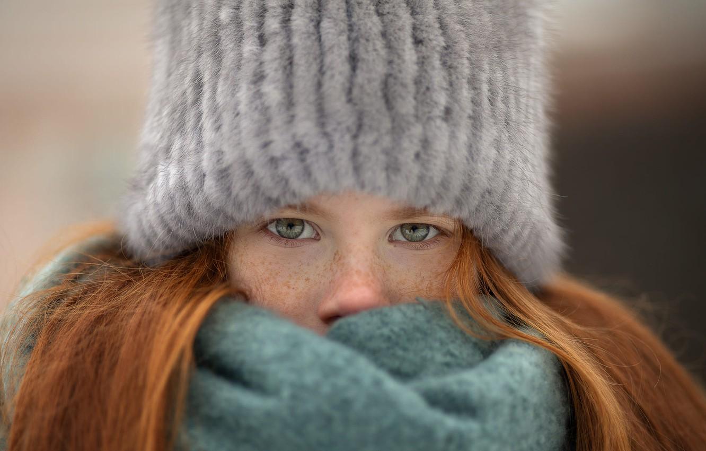 Фото обои шапка, шарф, девочка, веснушки, рыжая
