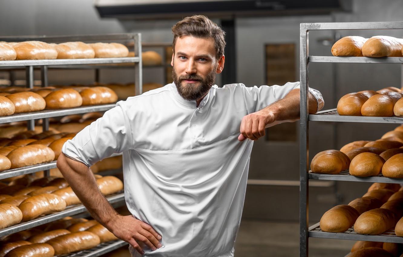 Фото обои поза, хлеб, мужчина, рубашка, борода, в белом, униформа, выпечка, пекарь, пекарня