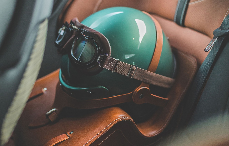 Фото обои Aston Martin, Очки, Зеленый, Шлем, 2019, DBS 59