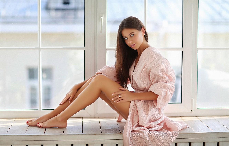 Фото обои взгляд, девушка, Alina, окно, ножки, халат, Dmitry Arhar, Алина Сабирова