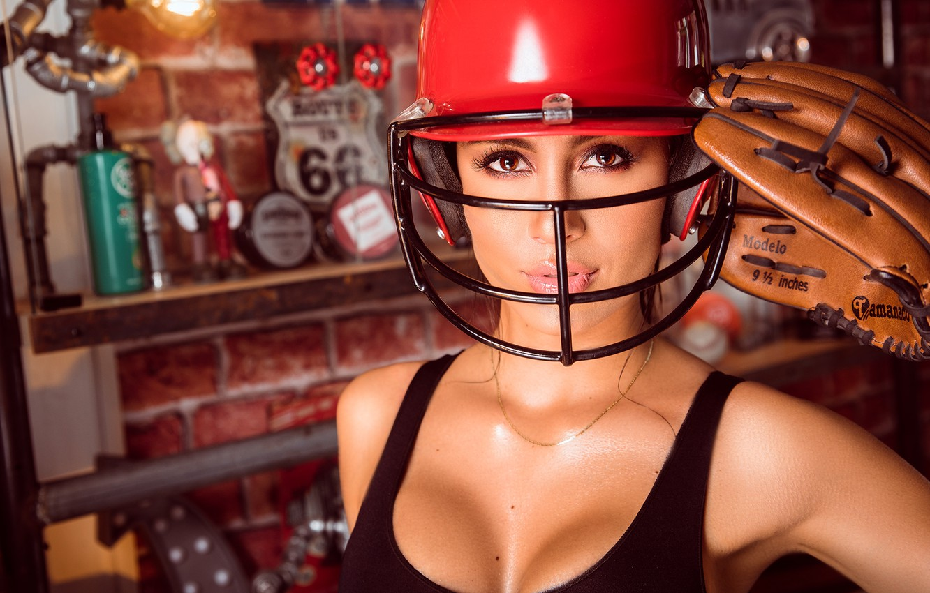 Фото обои girl, model, beauty, pose, helmet, makeup