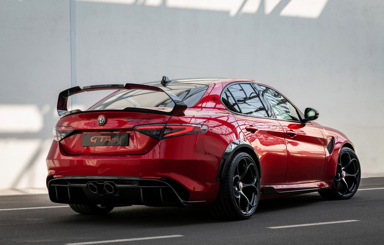 Фото обои красный, Alfa Romeo, седан, Giulia, GTAm, четырёхдверный, 2020, Gran Turismo Alleggerita modificata