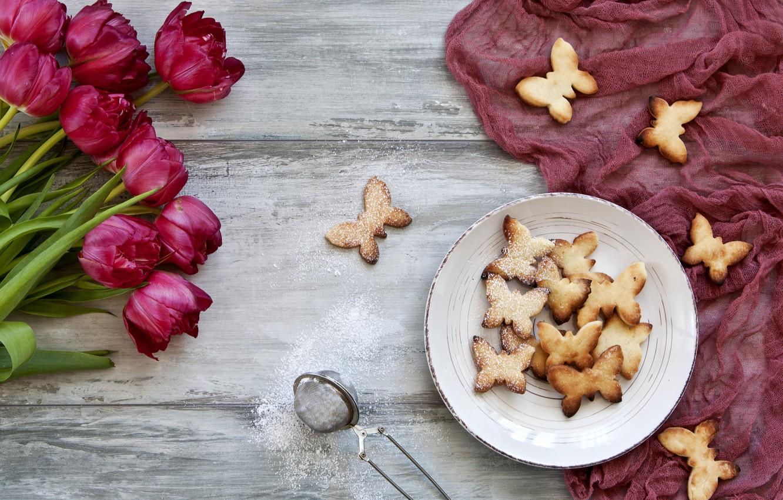 Фото обои любовь, цветы, букет, печенье, тюльпаны, красные, red, love, wood, flowers, romantic, tulips, cookies, butterflies