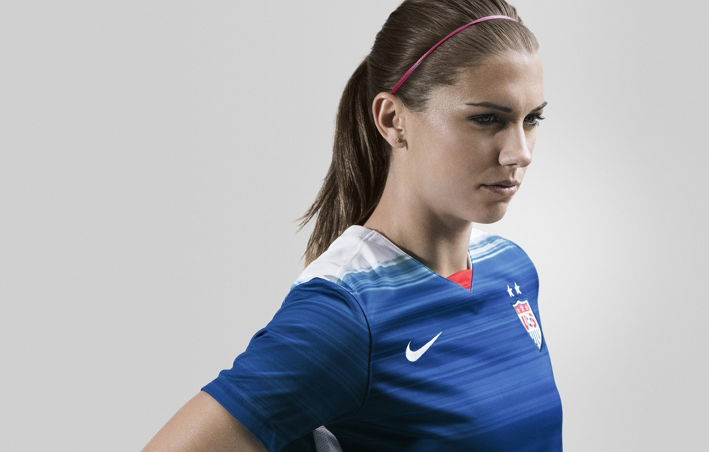 Фото обои woman, usa, soccer, player, alex morgan