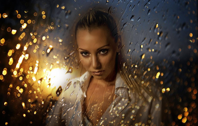 Фото обои dark, light, girl, eyes, water, beautiful, color, drops, look, blonde, glance, Kide Fotoart