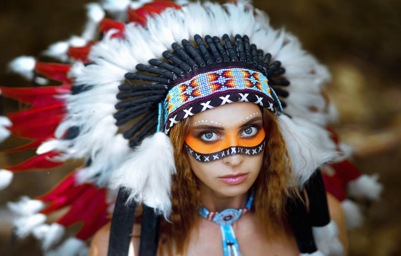 Фото обои взгляд, девушка, лицо, перья, раскрас, роуч, Вячеслав Цуркан, Евгения Немирова