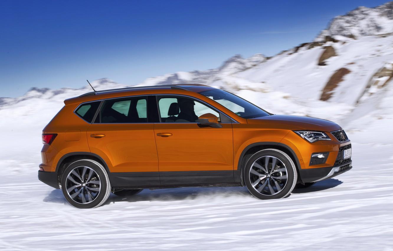 Фото обои снег, скорость, вид сбоку, SUV, Seat, 2017, 4Drive, Ateca