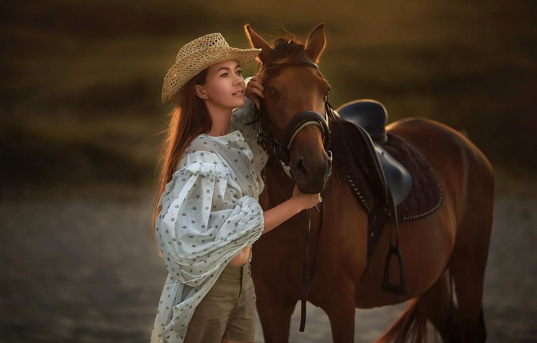 Фото обои взгляд, девушка, поза, лошадь, шляпа, блузка, Бармина Анастасия