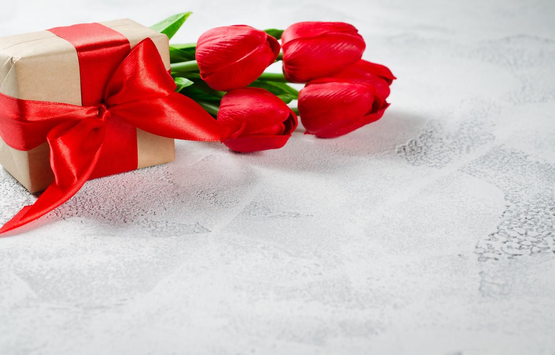 Фото обои любовь, цветы, подарок, букет, лента, сердечки, тюльпаны, красные, red, love, flowers, romantic, hearts, tulips, valentine's …
