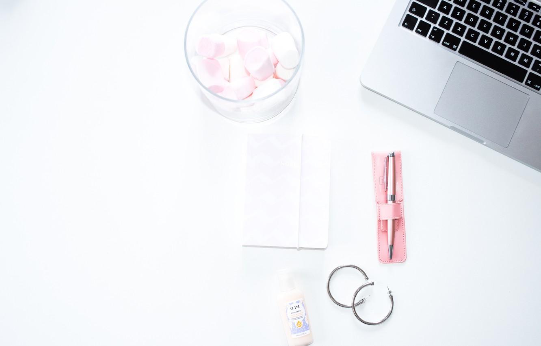 Фото обои стиль, серьги, ручка, блокнот, ноутбук, sweet, композиция, зефир, pen, laptop, marshmallow