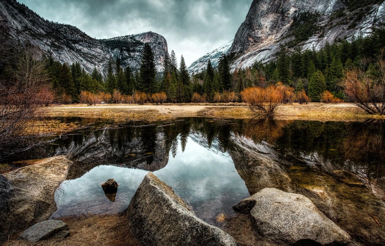 Фото обои осень, лес, вода, облака, деревья, горы, камни, скалы, Калифорния, США, Йосемити, кусты, Yosemite National Park
