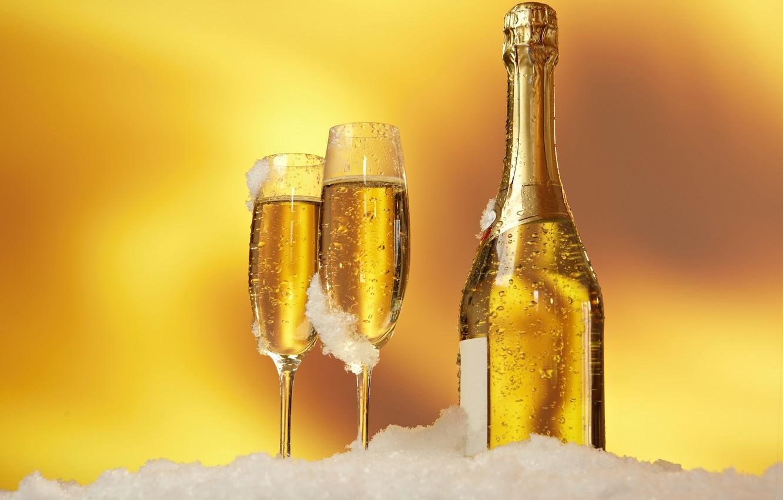 https://img5.goodfon.ru/wallpaper/nbig/d/a2/prazdnik-shampanskoe-bokal-butylka.jpg