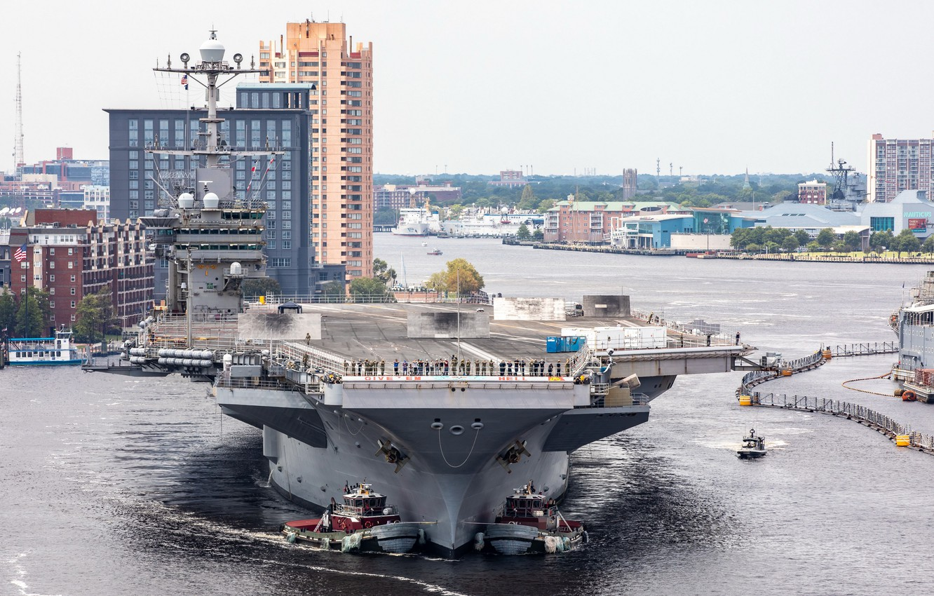 Фото обои USS Harry S. Truman, Norfolk, CVN 75, Naval Shipyard