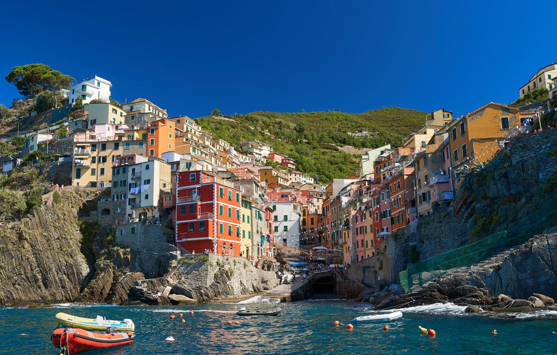 Фото обои море, скала, берег, дома, лодки, Италия, городок, Italy, Riomaggiore, Риомаджоре, Cinque Terre, Чинкве-Терре, Лигурия, Liguria