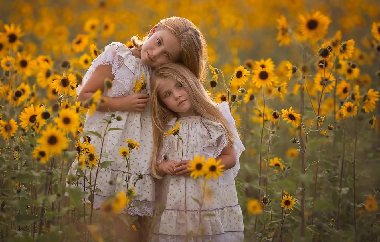 Фото обои поле, Девочки, сестры