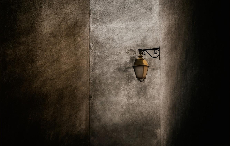 Фото обои стена, фонарь, wall, lantern, Gilbert Claes