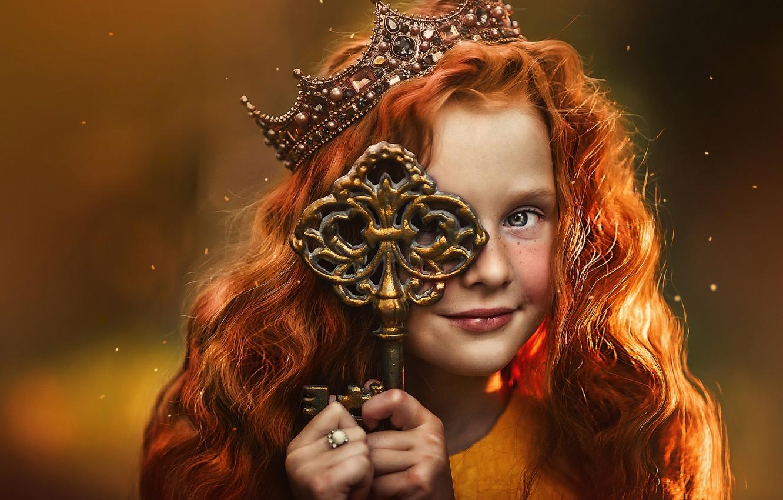 Фото обои фон, корона, ключ, девочка, рыжая, принцесса, рыжеволосая, Ксения Лысенкова