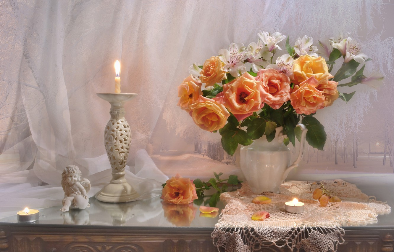 Фото обои цветы, стиль, розы, букет, свечи, статуэтка, натюрморт, подсвечник, салфетка, альстромерия, Валентина Колова