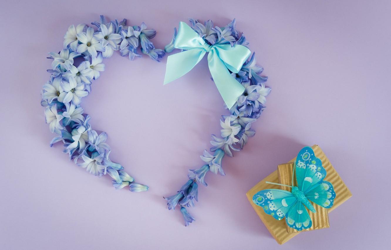 Фото обои любовь, цветы, подарок, бабочка, сердце, love, heart, blue, butterfly, flowers, romantic, незабудки, gift box, floral