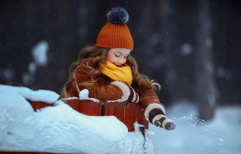 Фото обои зима, снег, настроение, девочка, шапочка, Любовь Пятовская