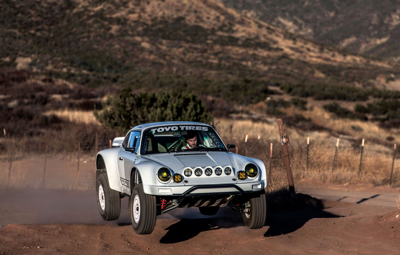 Фото обои прыжок, 911, Porsche, 964, 2019, 911 Baja Prototype, Russell Built Fabrication