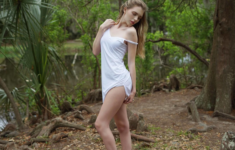 Фото обои sexy innocent blonde, slip dress, outdoor glamour, toned legs