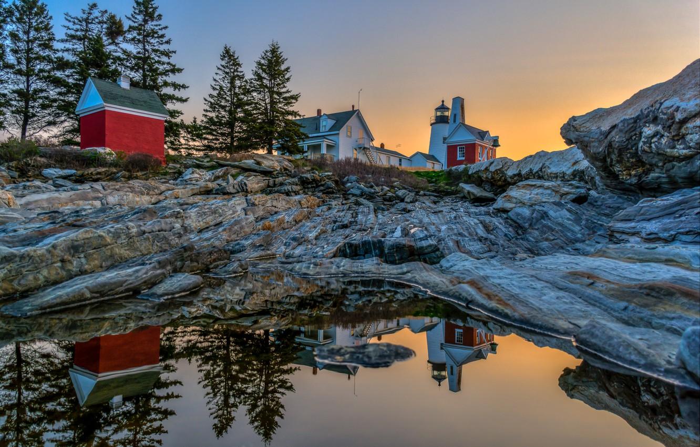 Фото обои вода, деревья, пейзаж, отражение, камни, рассвет, маяк, дома, утро, США, Pemaquid Point Lighthouse