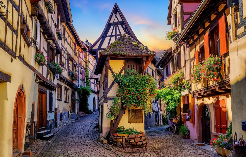 Фото обои цветы, улица, Франция, дома, Эльзас, Eguisheim, Эгисхайм