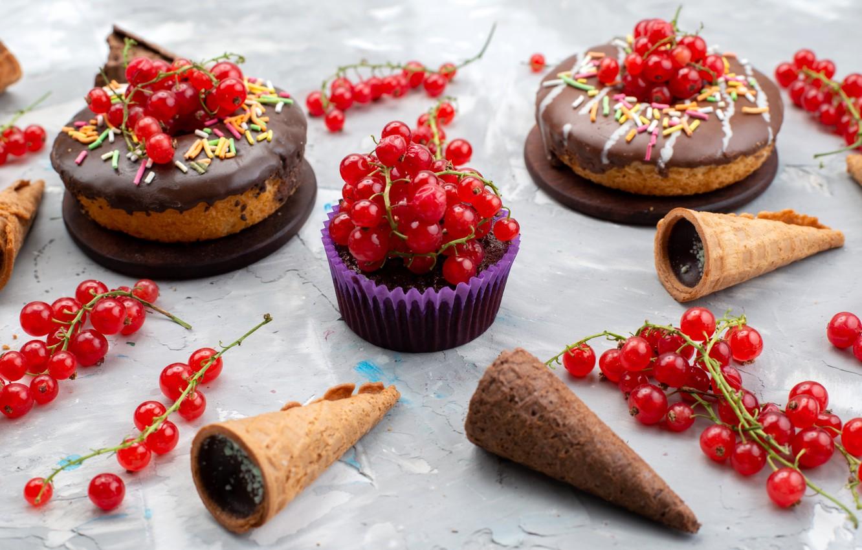 Фото обои ягоды, пирожные, красная смородина, вафельные рожки