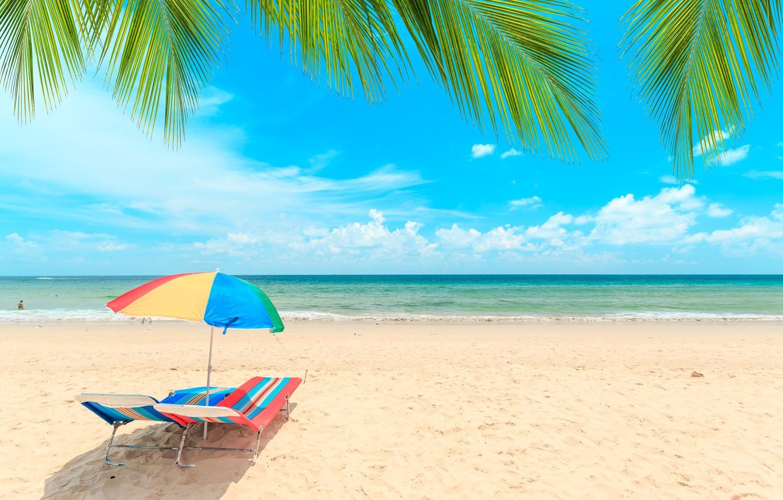 Фото обои песок, море, волны, пляж, лето, небо, пальмы, берег, шезлонг, summer, beach, sea, seascape, beautiful, sand, …