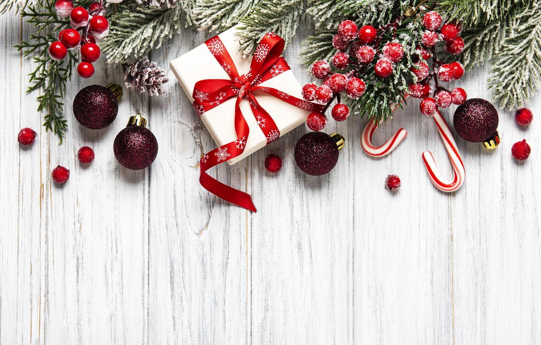 Фото обои украшения, шары, Рождество, Новый год, new year, Christmas, balls, wood, snow, decoration, frame, fir tree, …