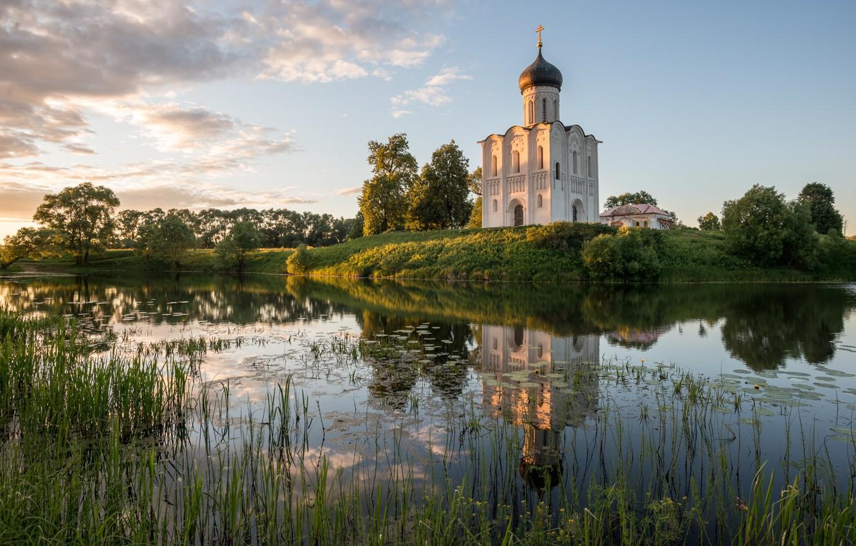 Фото обои лето, пейзаж, закат, природа, река, церковь, храм, травы, берега, Боголюбово, Нерль