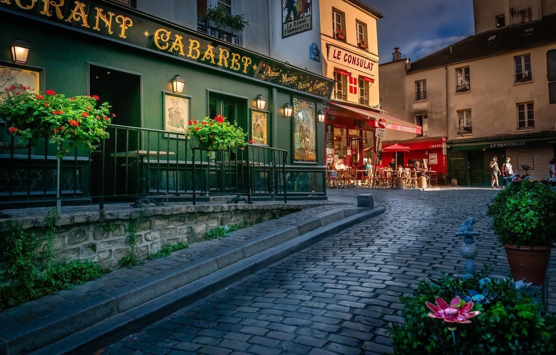 Фото обои цветы, Франция, Париж, здания, дома, Paris, France, улочка, Montmartre, Монмартр