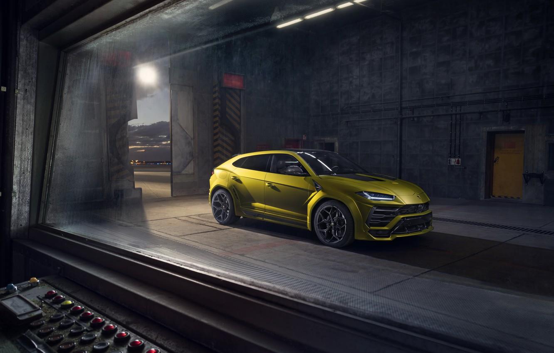 Фото обои машина, Lamborghini, ворота, Urus, Novitec