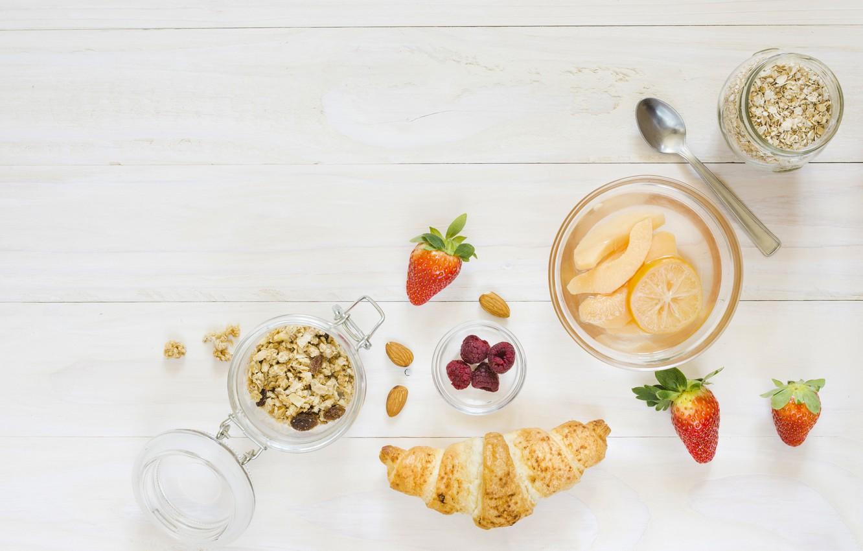 Фото обои ягоды, завтрак, хлопья, круассан
