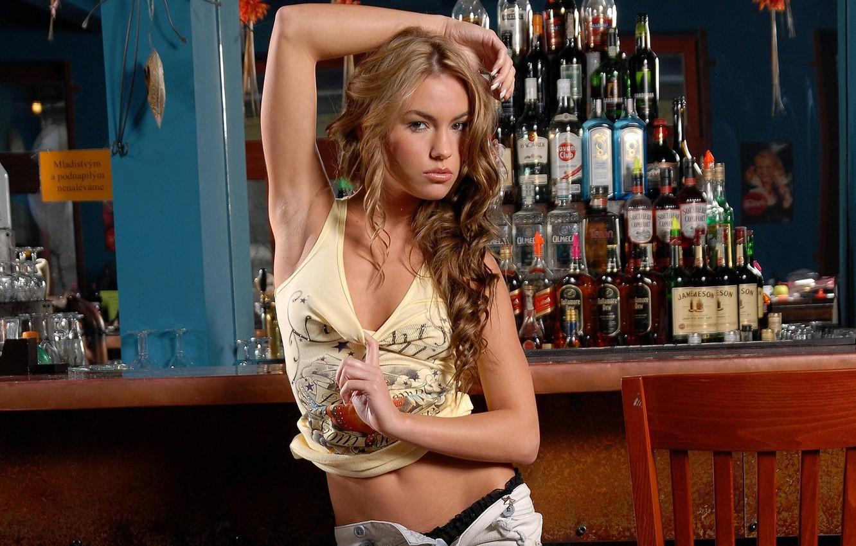 Фото обои девушка, бар, стойка, Veronika Fasterova