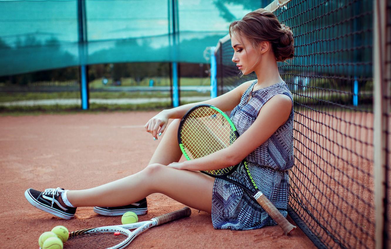 этом разделе фото с теннисной ракеткой выложил сторис