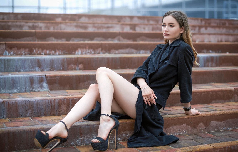 Фото обои поза, Девушка, ножки, сидит, Sergey Gokk